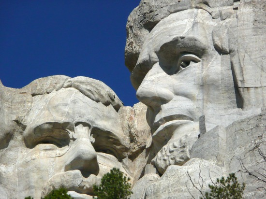 mount-rushmore-national-monument-55481_1920